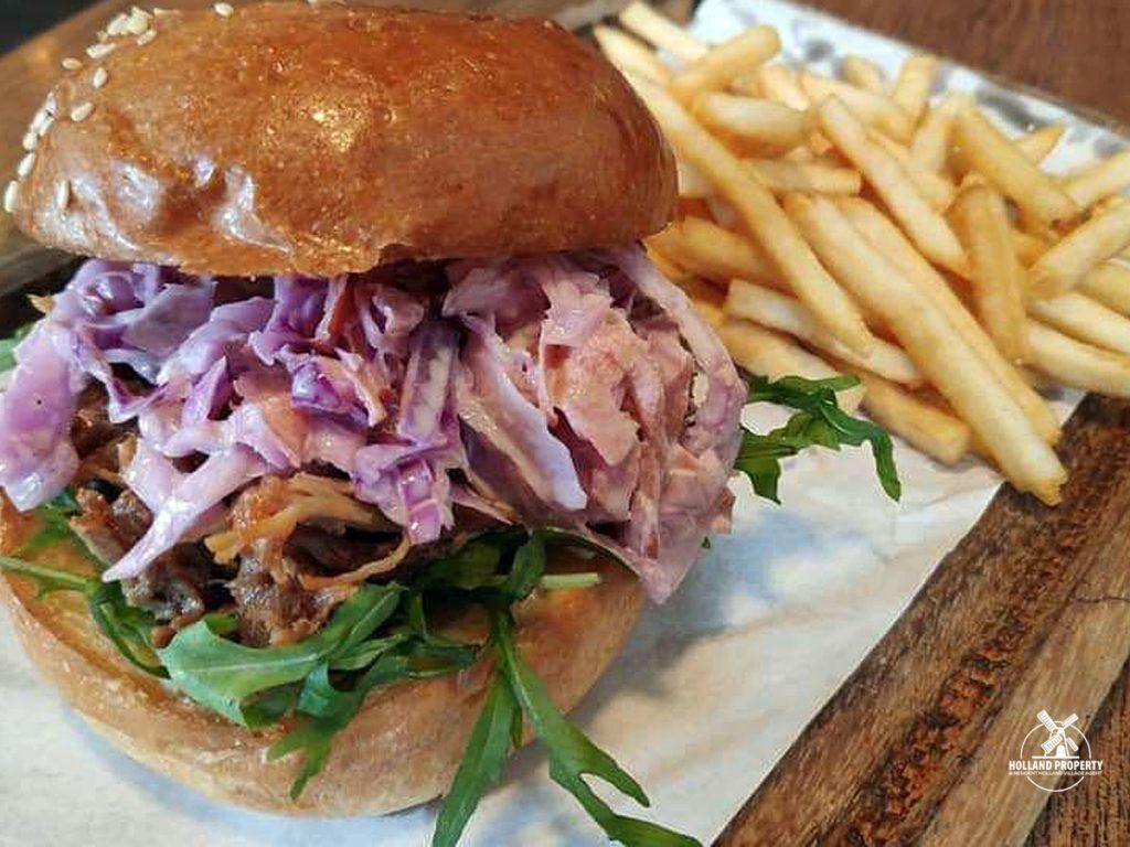 breko cafe pulled pork burger